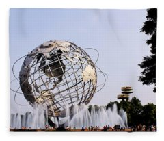 Unisphere Fountain Fleece Blanket