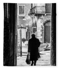 Venetian Silhoutte Lady Fleece Blanket