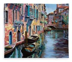 Venezia In Rosa Fleece Blanket