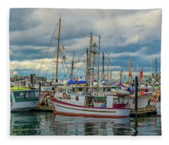 Victoria Harbor Boats Fleece Blanket