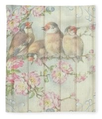 Vintage Shabby Chic Floral Faded Birds Design Fleece Blanket