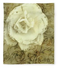 Vintage White Flower Art Fleece Blanket