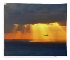 Vulcan Run In Fleece Blanket