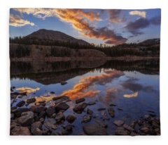 Wall Reflection Fleece Blanket