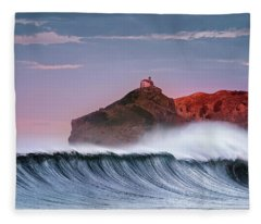 Wave In Bakio Fleece Blanket