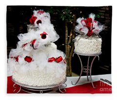 Wedding Cake And Red Roses Fleece Blanket
