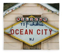 Welcome To Fabulous Ocean City N J Fleece Blanket