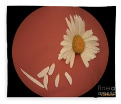 Encapsulated Daisy With Dropping Petals Fleece Blanket