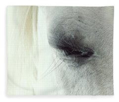 White Horse Beautiful Eye Fleece Blanket