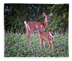 Whitetail Doe With Fawn Fleece Blanket