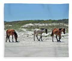 Wild Horses On The Beach Fleece Blanket