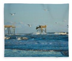 Wild Waves At Nags Head Fleece Blanket