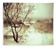 Winter Loneliness Fleece Blanket