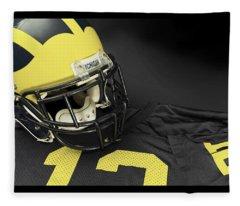 Wolverine Helmet With Jersey Fleece Blanket
