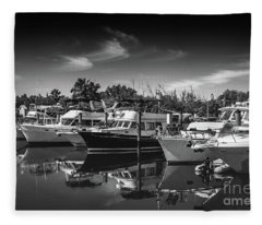 Yacht Bw Series 8264 Fleece Blanket