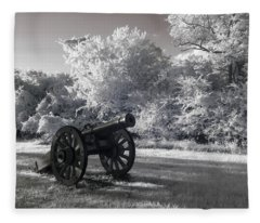 Yorktown - Cannon Fleece Blanket