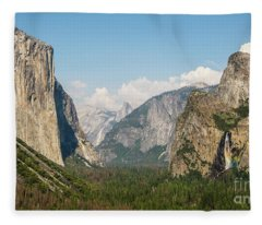 Yosemite Tunnel View With Bridalveil Rainbow By Michael Tidwell Fleece Blanket