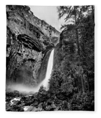 Yosemite Waterfall Bw Fleece Blanket