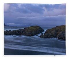 Waves At The Shore Fleece Blanket