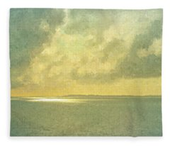 Approaching Bermuda In Morning Glory Fleece Blanket