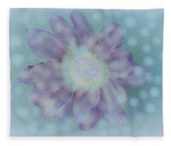 Arctic Daisy Fleece Blanket
