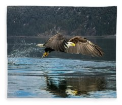 Bald Eagle With Catch Fleece Blanket