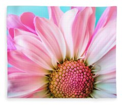 Beautiful Pink Flower Fleece Blanket