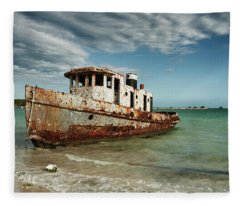 Caribbean Shipwreck 21002 Fleece Blanket