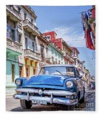 Centro Habana - Vertical Fleece Blanket