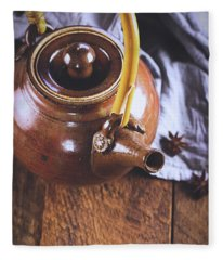 Ceramic Tea Pot With Star Of Anise Fleece Blanket
