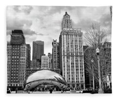 Chicago Skyline In Black And White Fleece Blanket