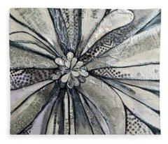 chrysanthemum I Fleece Blanket