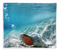 Conch Shell Bubbles Fleece Blanket
