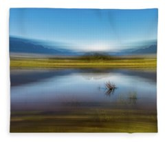 D2056p Fleece Blanket