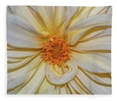 Dahlia Summertime Beauty Fleece Blanket
