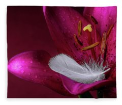 Daylily With Feather Fleece Blanket