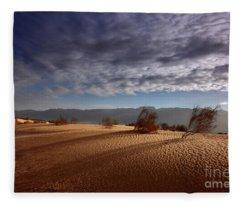 Dune In Motion Fleece Blanket
