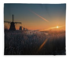 Dutch Dawn IIi Fleece Blanket