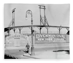 Dyckman Oval Fleece Blanket