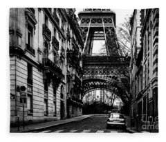 Eiffel Tower - Classic View Fleece Blanket