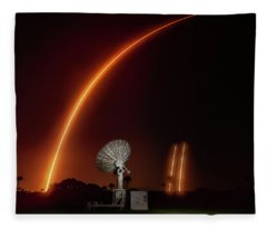 Falcon Heavy Night Launch And Landing Fleece Blanket