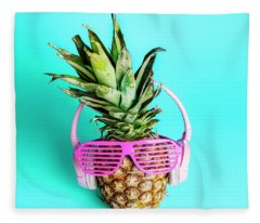 Fashionable Trendy Pineapple Fruit With Headphones And Sun Glass Fleece Blanket