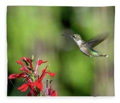 Female Ruby-throated Hummingbird Dsb0320 Fleece Blanket