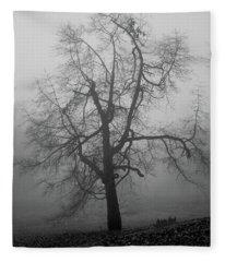 Foggy Tree In Black And White Fleece Blanket