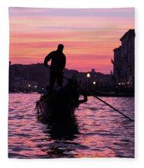 Gondolier At Sunset Fleece Blanket