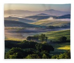 Hilly Tuscany Valley Fleece Blanket