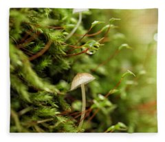 In Moss World ... Dewy Fresh Friendships Fleece Blanket