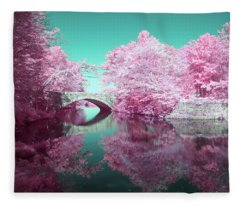 Infrared Bridge Fleece Blanket