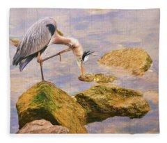 Itchy  Neck Heron Fleece Blanket