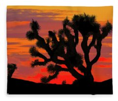 Joshua Tree At Sunset Fleece Blanket